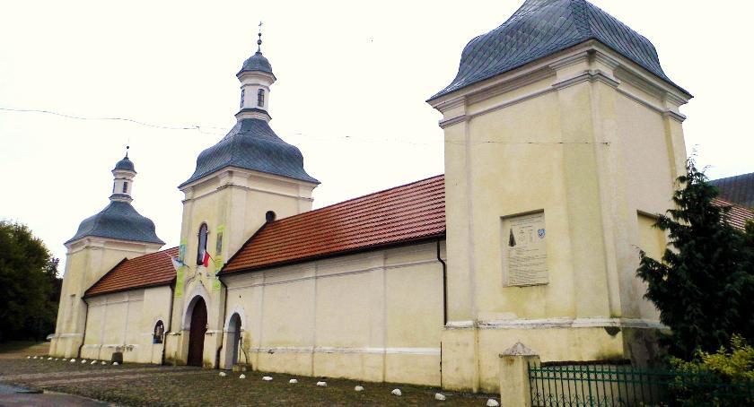 Urzędy, Dotacja klasztoru - zdjęcie, fotografia